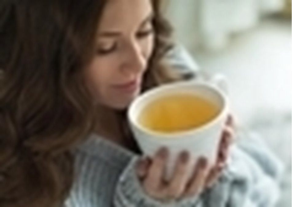 Τα ζεστά ροφήματα περιορίζουν τα συμπτώματα και τη διάρκεια των ιώσεων